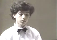 Nghệ sĩ dương cầm nhỏ tuổi