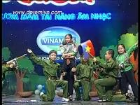 Em bé giải phóng quân