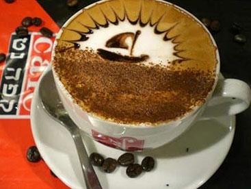Nghệ thuật vẽ tranh trên tách café