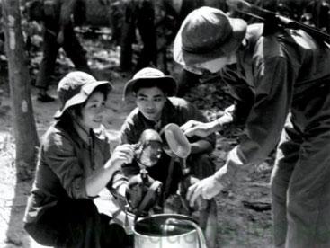 Nữ chiến sĩ Việt Nam