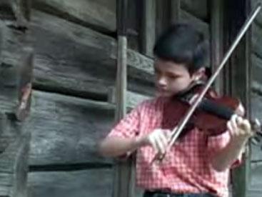 Nghệ sĩ violin nhí