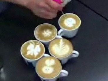 Vẽ tranh trên café
