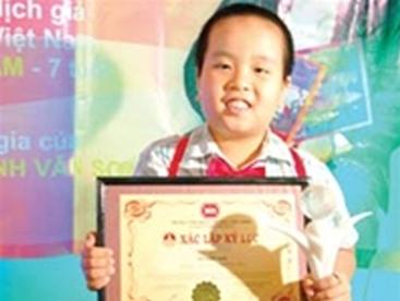 Năng khiếu Tiếng Anh nhí của bé Nhật Nam
