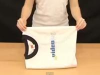Bé học cách gập áo phông nhé!