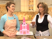 Bé giúp mẹ chuẩn bị bánh sinh nhật hình lâu đài nhé!