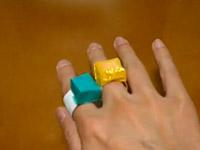 Chiếc nhẫn sắc màu