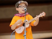 Cậu bé 8 tuổi hát Hey!soul sister!