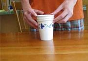 Ảo thuật với cốc giấy