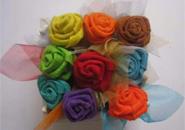 Cách làm hoa hồng từ vải nỉ