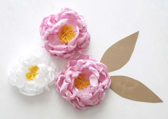 Làm hoa mẫu đơn từ vải