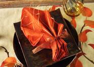 Gấp khăn ăn hình chiếc lá